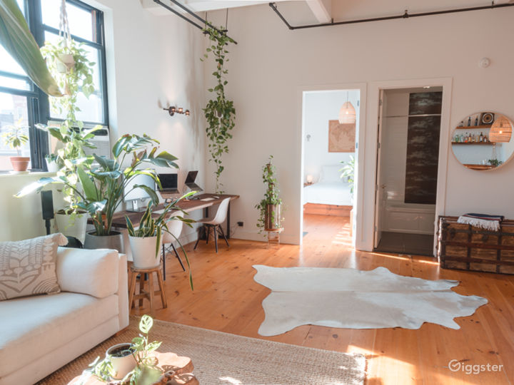 Plant-Filled Loft In Old Factory - Williamsburg Photo 4