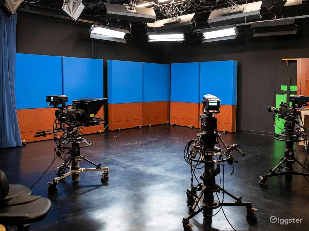 Digital Media and Television Production Studio in Santa Cruz Photo 1