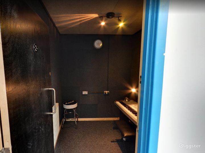 Music Room 2 in Birmingham Photo 2