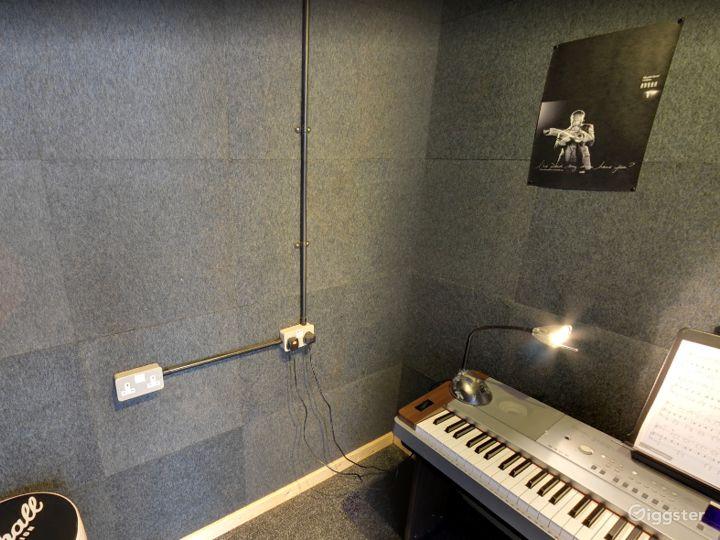 Music Room 2 in Birmingham Photo 4