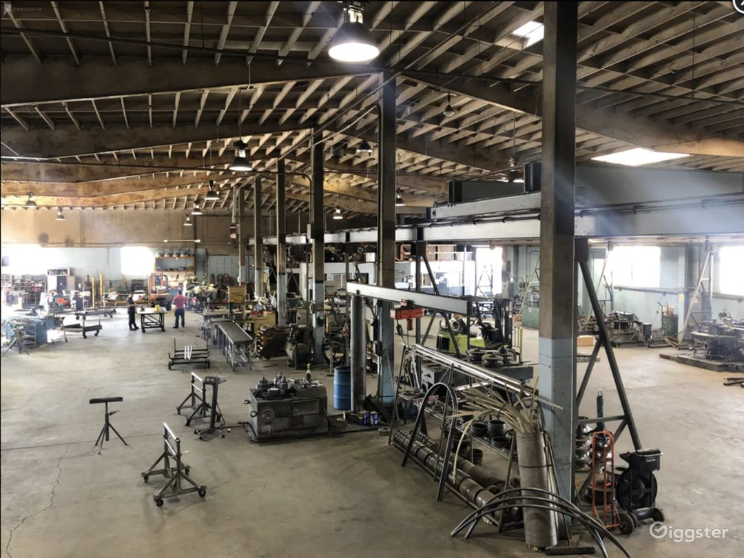 16.000 sq. ft. RAW - FACTORY INDUSTRIAL WAREHOUSE Photo 1