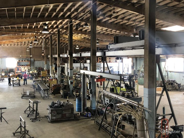 16.000 sq. ft. RAW - FACTORY INDUSTRIAL WAREHOUSE Photo 4