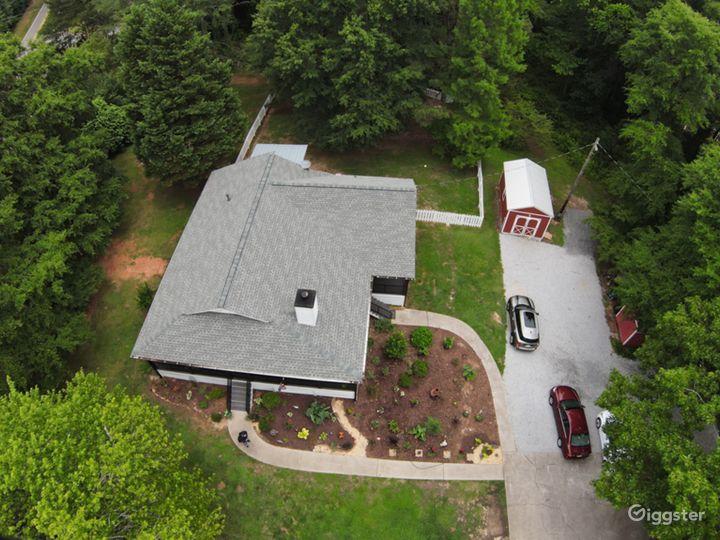The Jordan Farmhouse  Photo 3