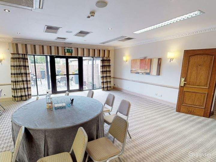 Bright Cowley Event Space in Oxford Photo 3