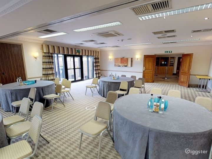 Bright Cowley Event Space in Oxford Photo 2