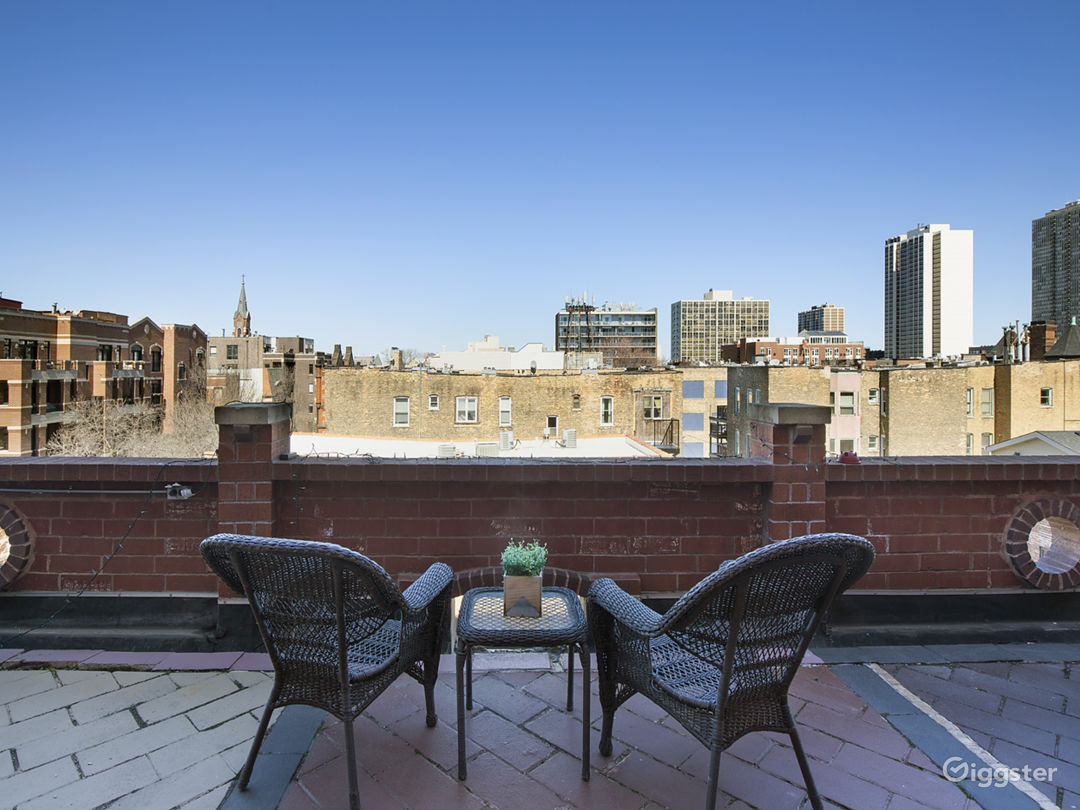 2-Story Penthouse w/ Massive Rooftop Patio Photo 4