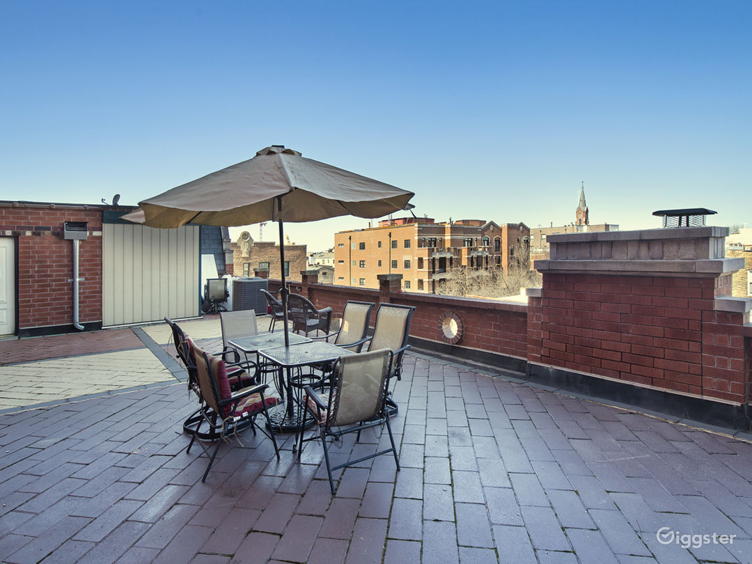 2-Story Penthouse w/ Massive Rooftop Patio Photo 2
