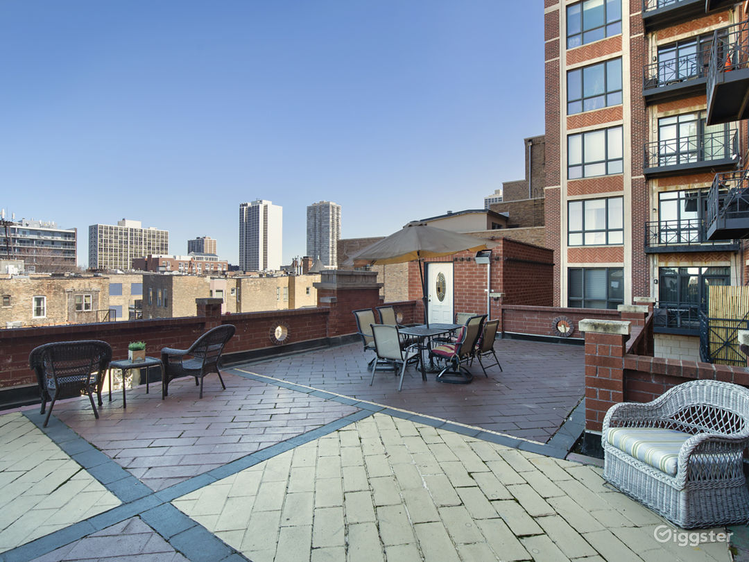 2-Story Penthouse w/ Massive Rooftop Patio Photo 1