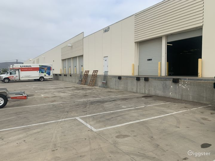 Industrial warehouse with multiple offices Photo 3