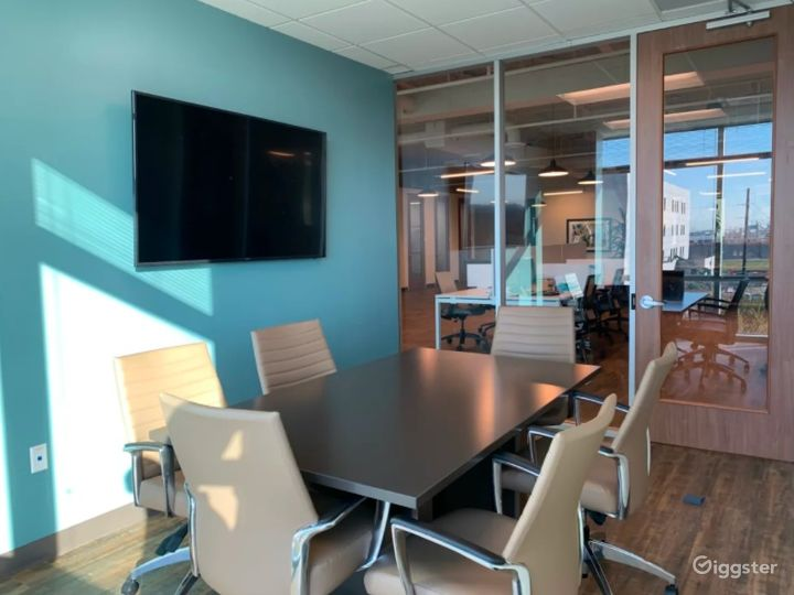 Private Meeting Room with Natural Light Photo 3
