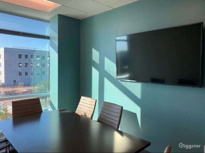 Private Meeting Room with Natural Light Photo 5