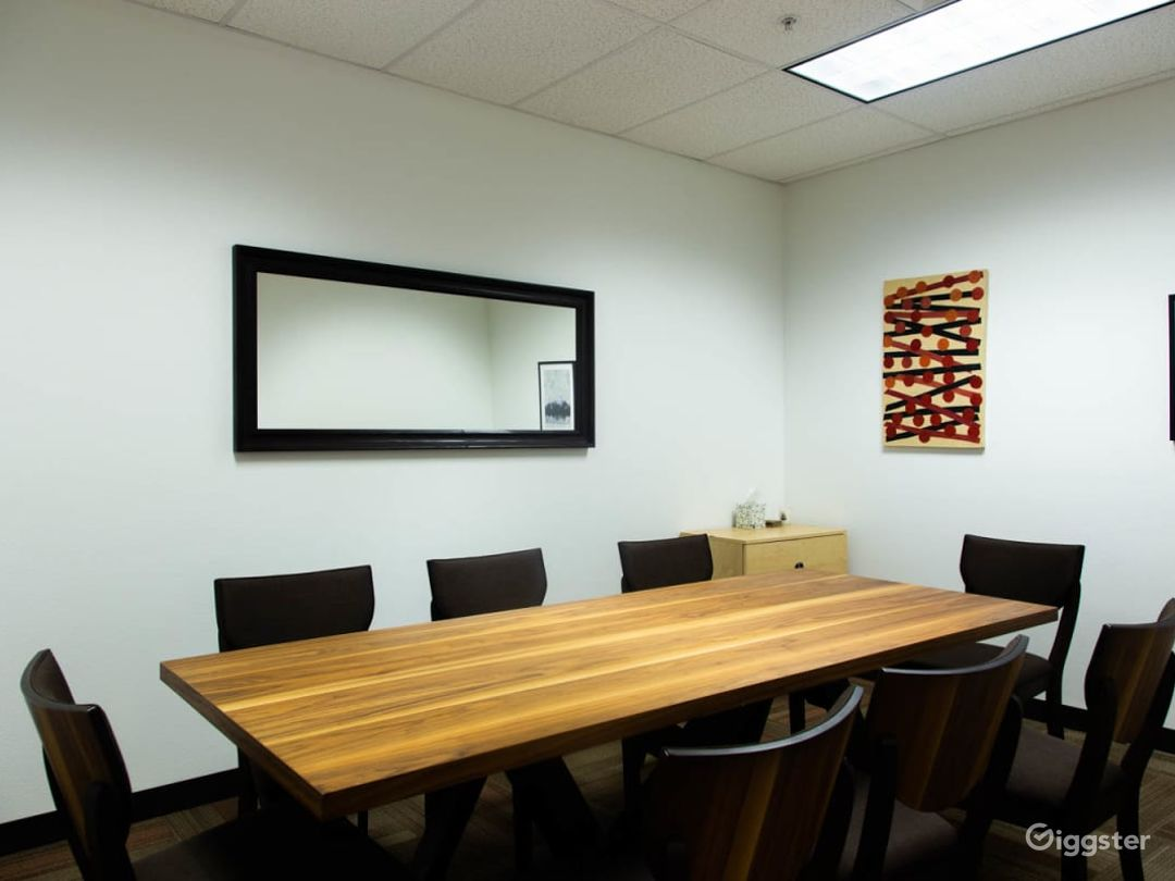 Simplistic Private Space (Meetings Only) Photo 1