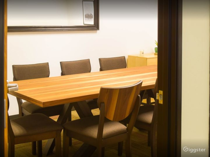 Simplistic Private Space (Meetings Only) Photo 4