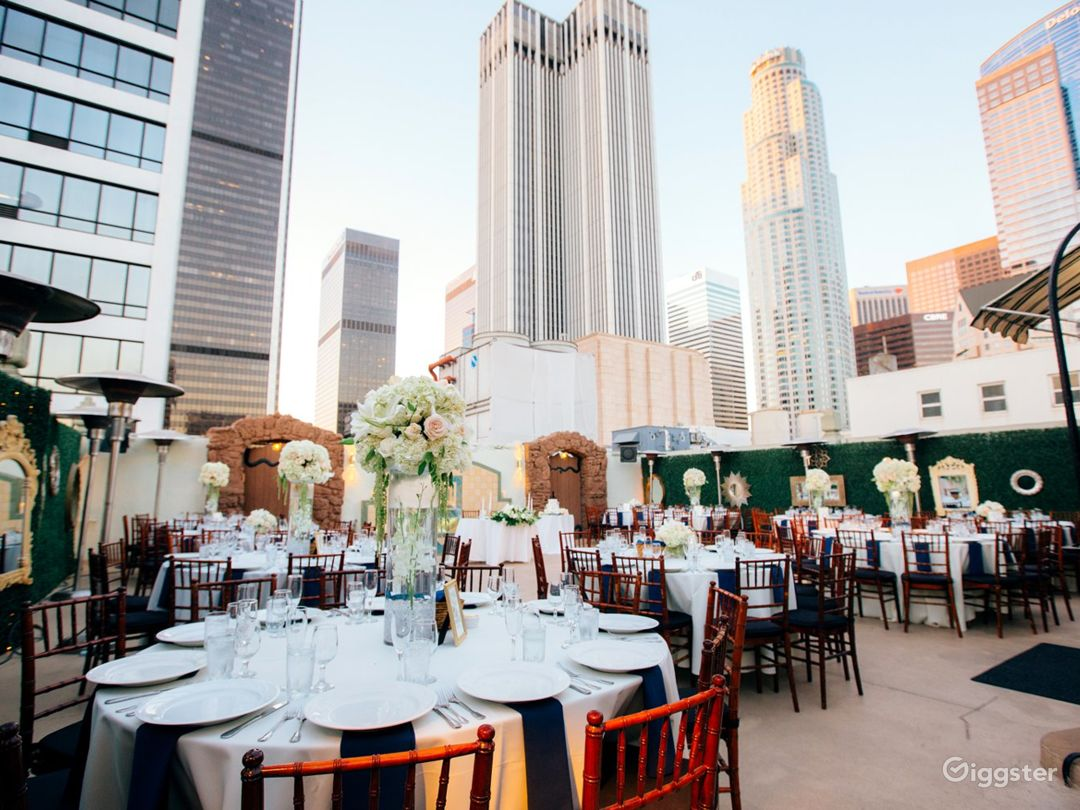 Historic High Rise Penthouse and Patio Terrace Photo 3