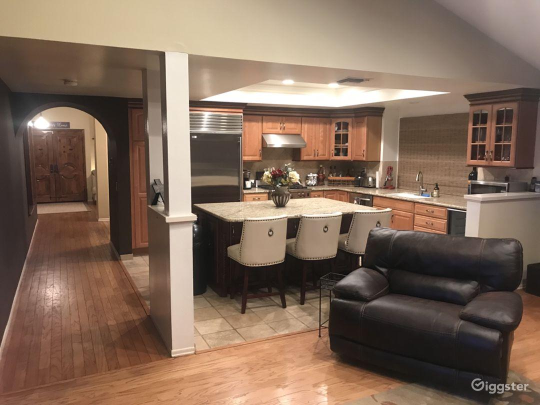 Unique Open Floor Plan Home Popular Filming Area Photo 2
