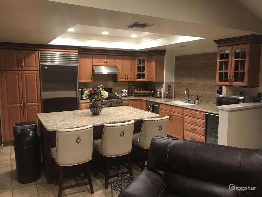 Unique Open Floor Plan Home Popular Filming Area Photo 3