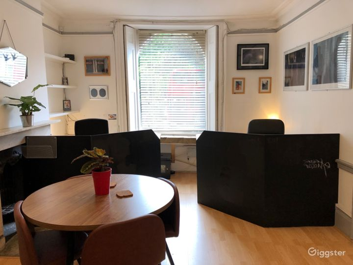 Homey Freelancers Workspace in Central London Photo 3