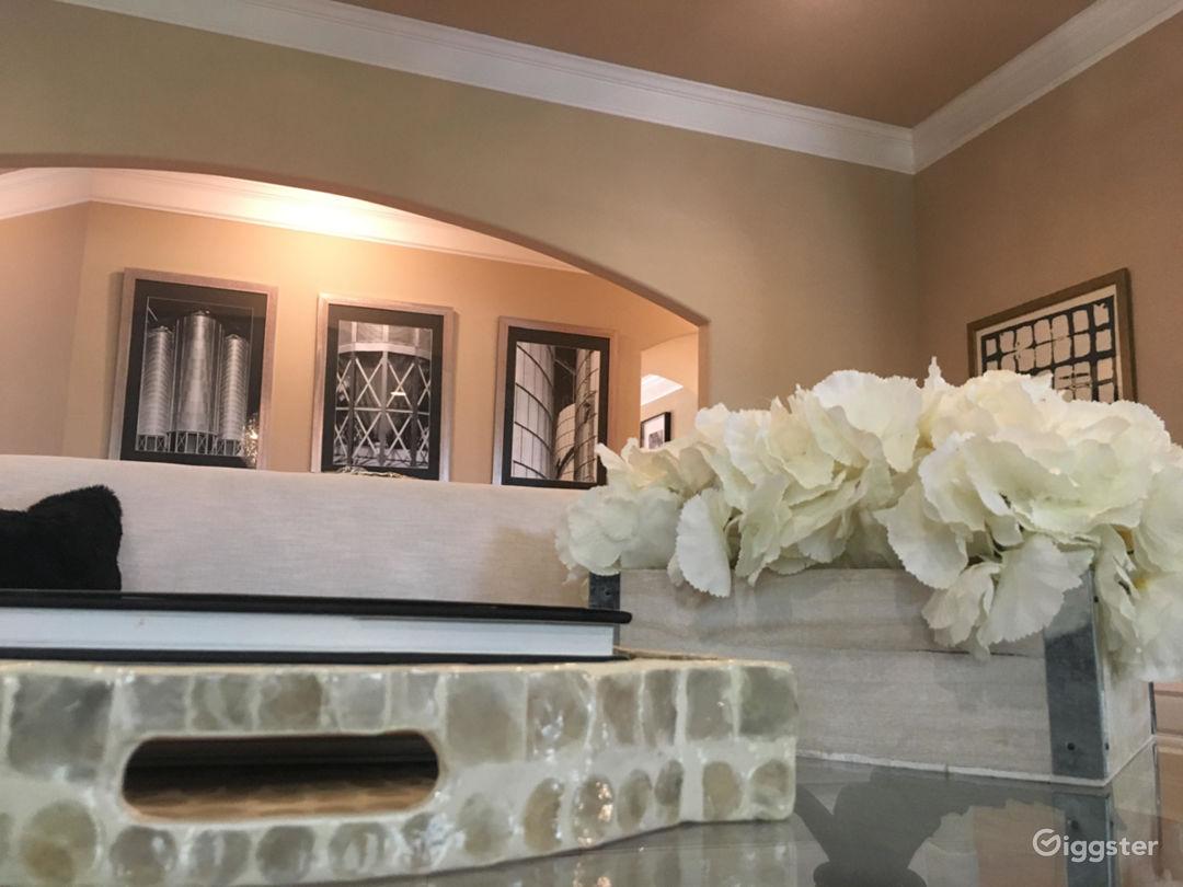 Crew Friendly Luxury Home: Upscale Atlanta Suburb Photo 3