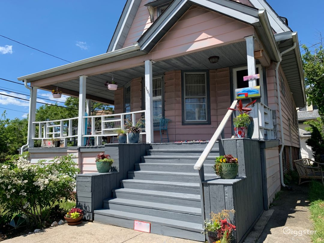 Colorful Victorian Home Photo 1