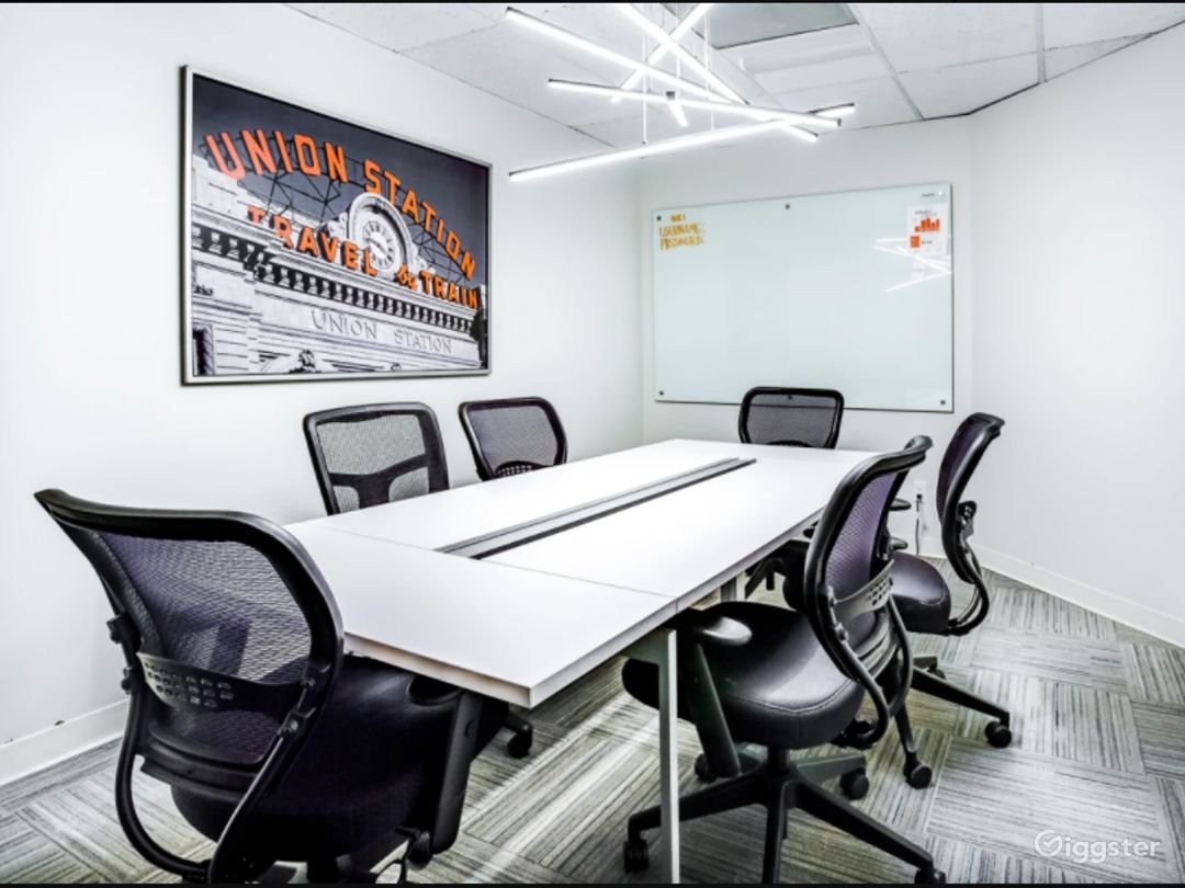 Modern and Elegant Private Conference Room Photo 1