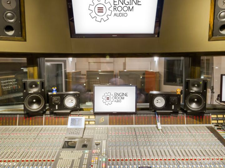 State-of-the-art Mezzanine Studio and Live Room Photo 3