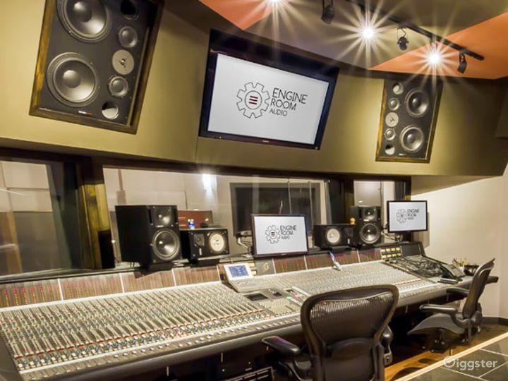 State-of-the-art Mezzanine Studio and Live Room Photo 5