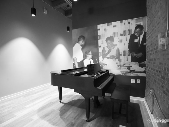 Artsy Blues and Jazz Coffee Shop Photo 5
