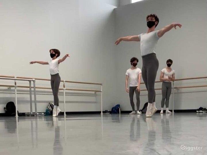 Spacious and Beautiful Ballet Studio Photo 2