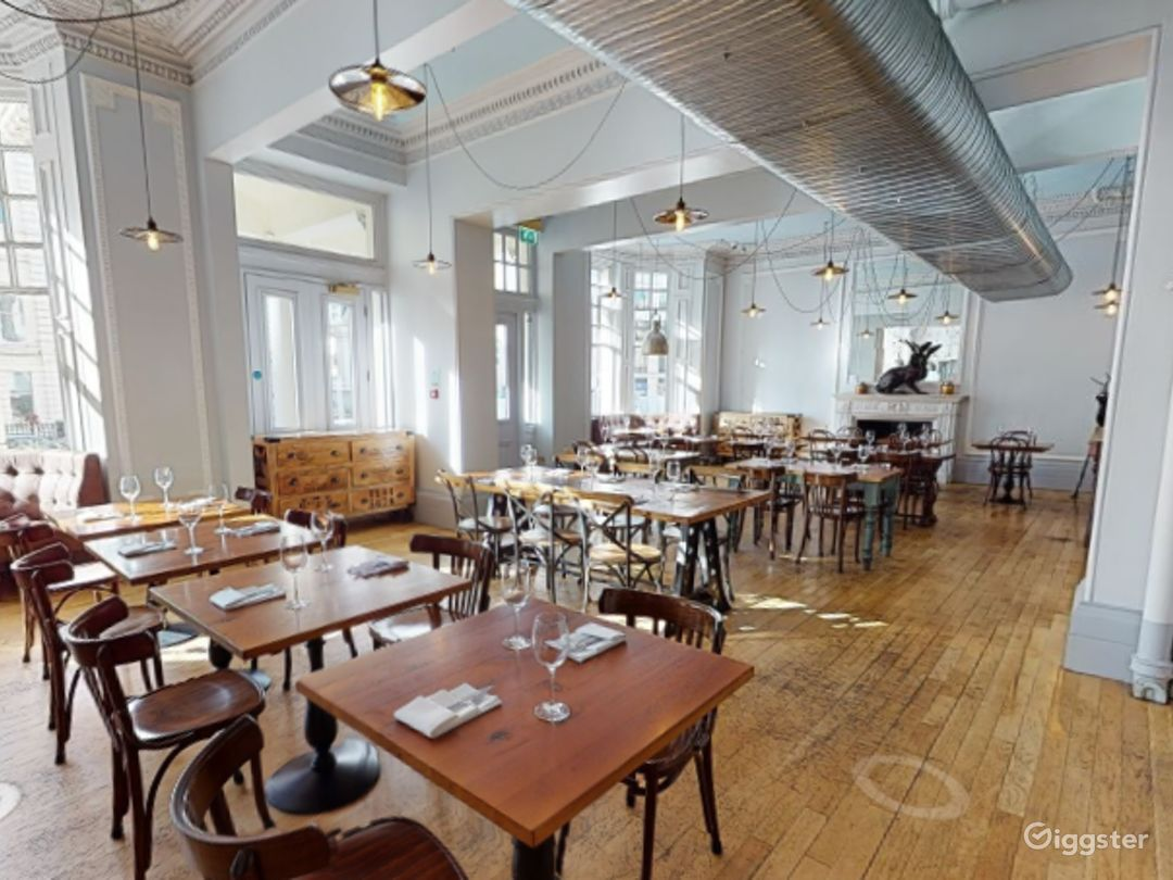 Bright & Airy Restaurant in Cromwell Road, London Photo 1