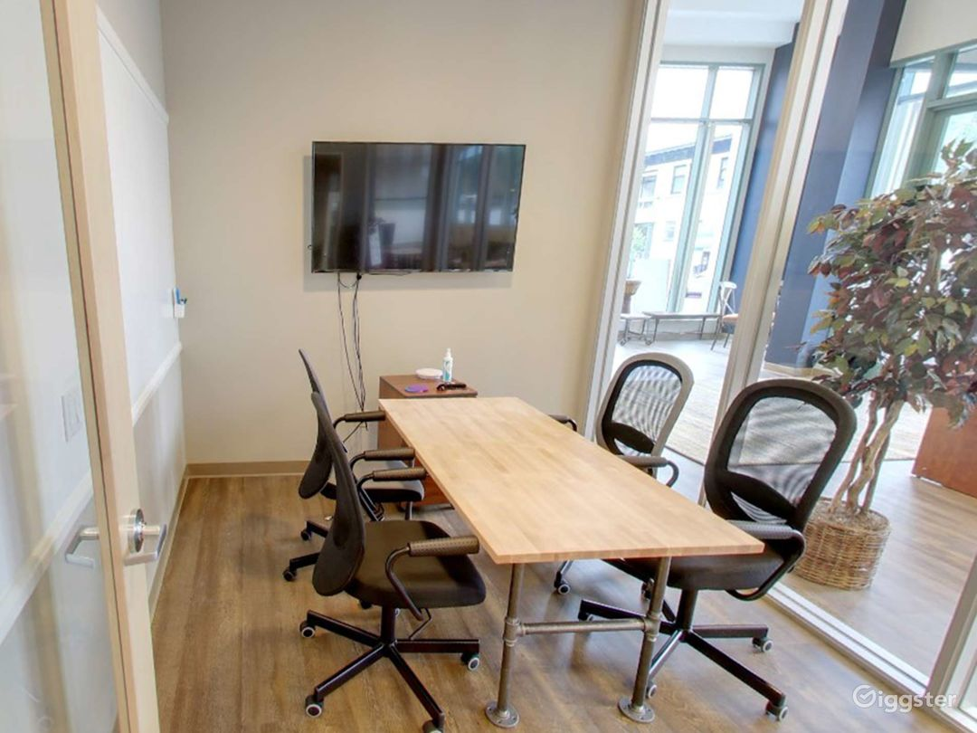 Medium Meeting Room in San Rafael Photo 1