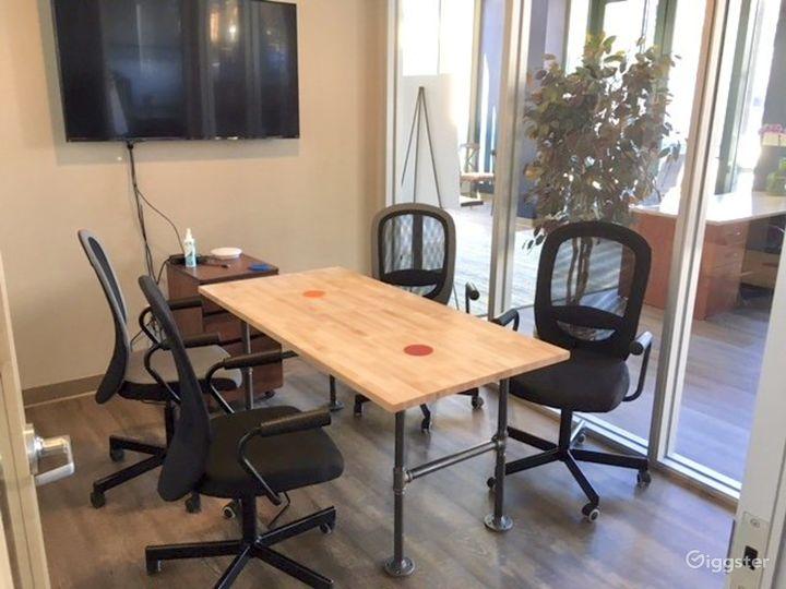 Medium Meeting Room in San Rafael Photo 2