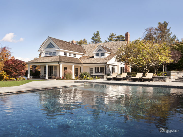 Contemporary Elegance: Location 5154 Photo 4