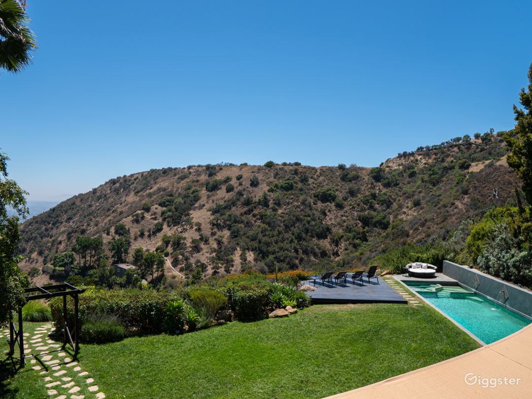 Hollywood Hills European Villa  Photo 1