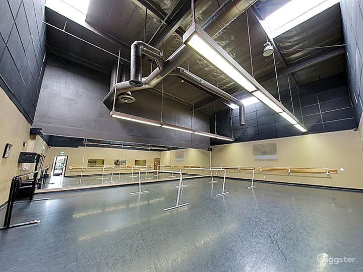 Studio 8  Photo 5