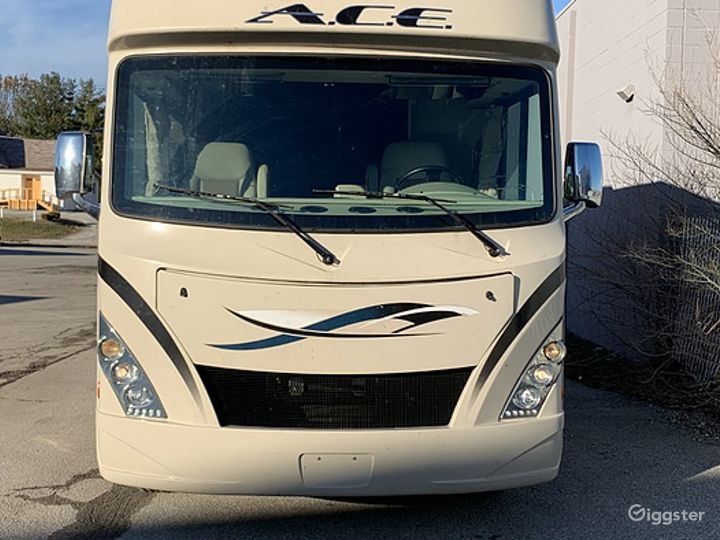 Huge and Beautifully Designed 30sq ft 2017 Ace 30 Class A Recreational Vehicle Photo 3