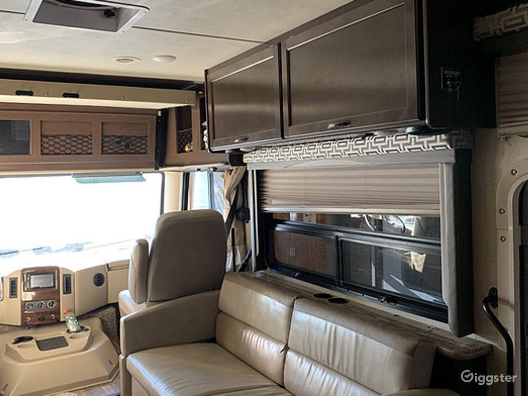 Huge and Beautifully Designed 30sq ft 2017 Ace 30 Class A Recreational Vehicle Photo 1