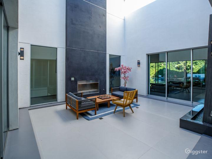 Tiffs Palace | 8,500 sqft Modern Mansion | Encino  Photo 5