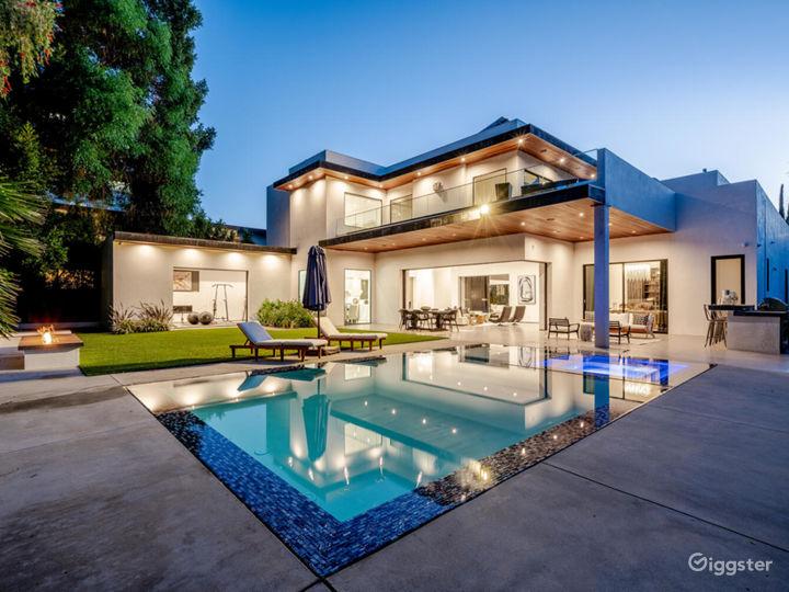 Tiffs Palace | 8,500 sqft Modern Mansion | Encino  Photo 2