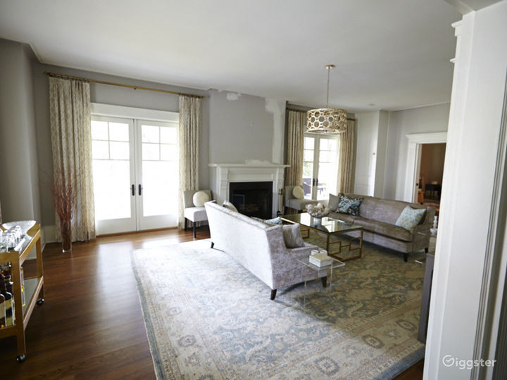 Large contemporary suburban home: Location 5056 Photo 3
