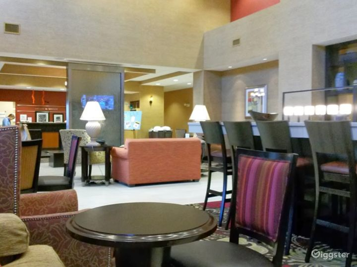 A Cozy and Warm Hotel Lounge in Lakeland Photo 2