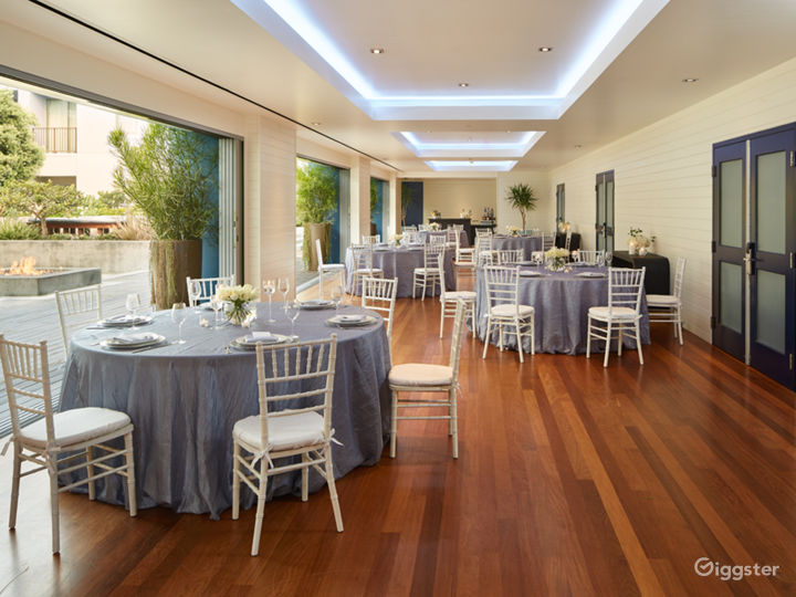 Epic Ballroom Foyer with Outdoor View Photo 4