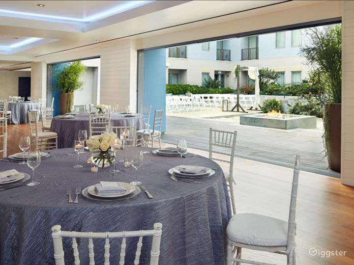 Epic Ballroom Foyer with Outdoor View Photo 5