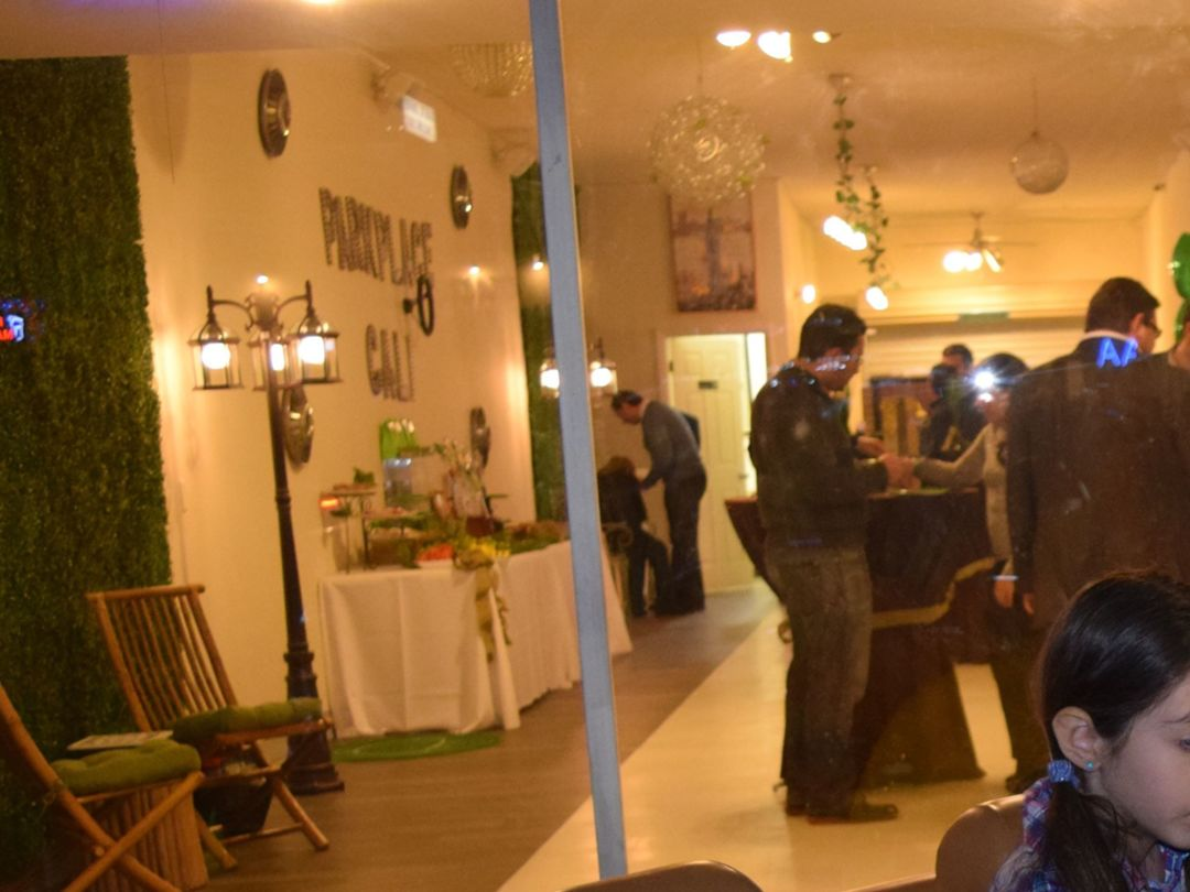 Film-Friendly Showroom Space Photo 4