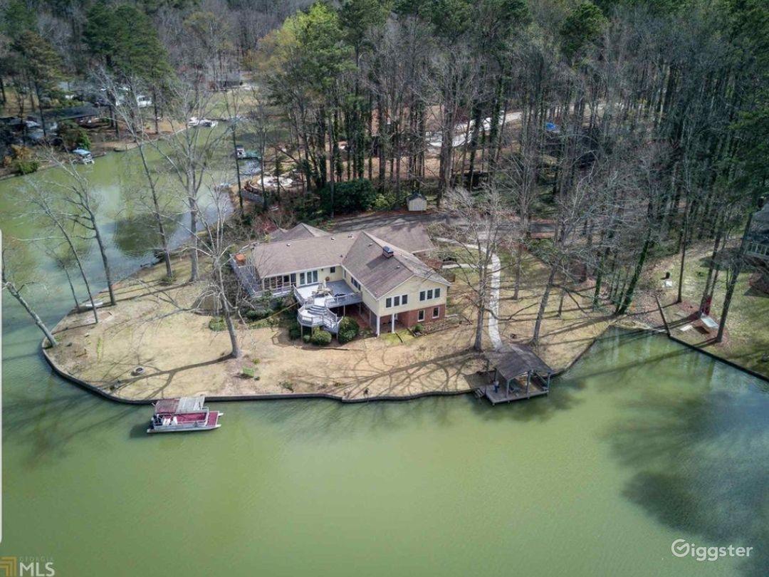 Lake House in Jonesboro Photo 1
