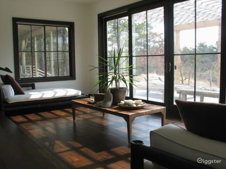 Shingled Hamptons home with pool: Location 3067 Photo 2