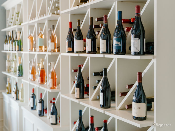 Elegant Wine Bar & Boutique Photo 2
