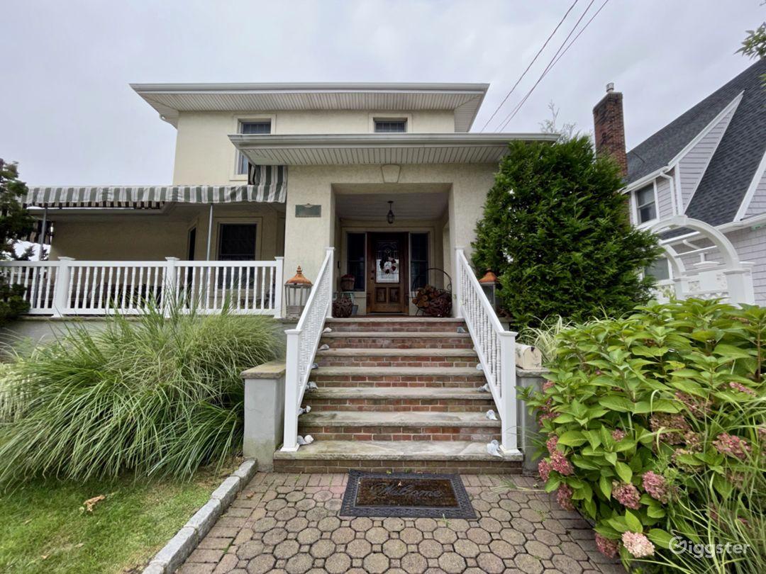 Suburban Upscale Family Home Photo 1