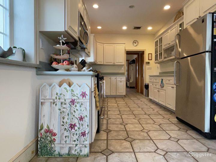 Suburban Upscale Family Home Photo 5