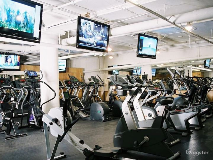 Retro Style Fitness Gym in 19th Street Photo 4
