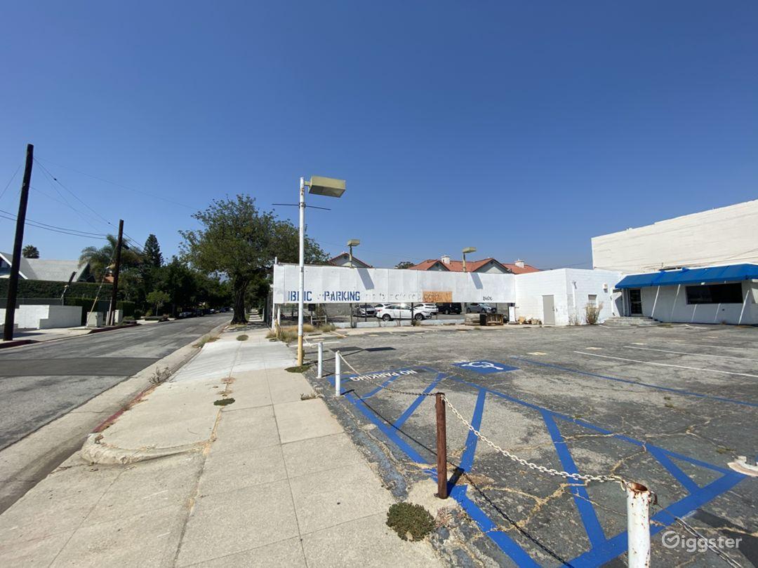 Parking lot Photo 3